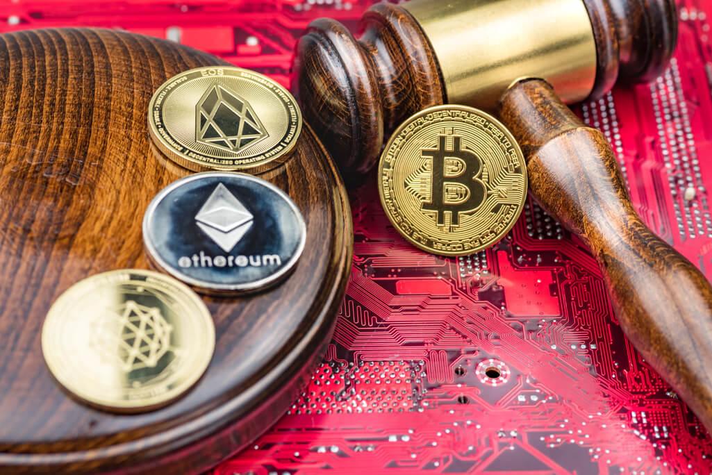 Krypto Regulierung - Kryptowährungsmünzen Hammer Grafikkarte