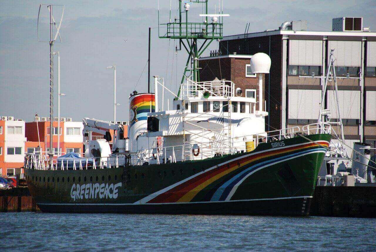 Greenpeace Schiff Bitcoin als Zahlungsmittel