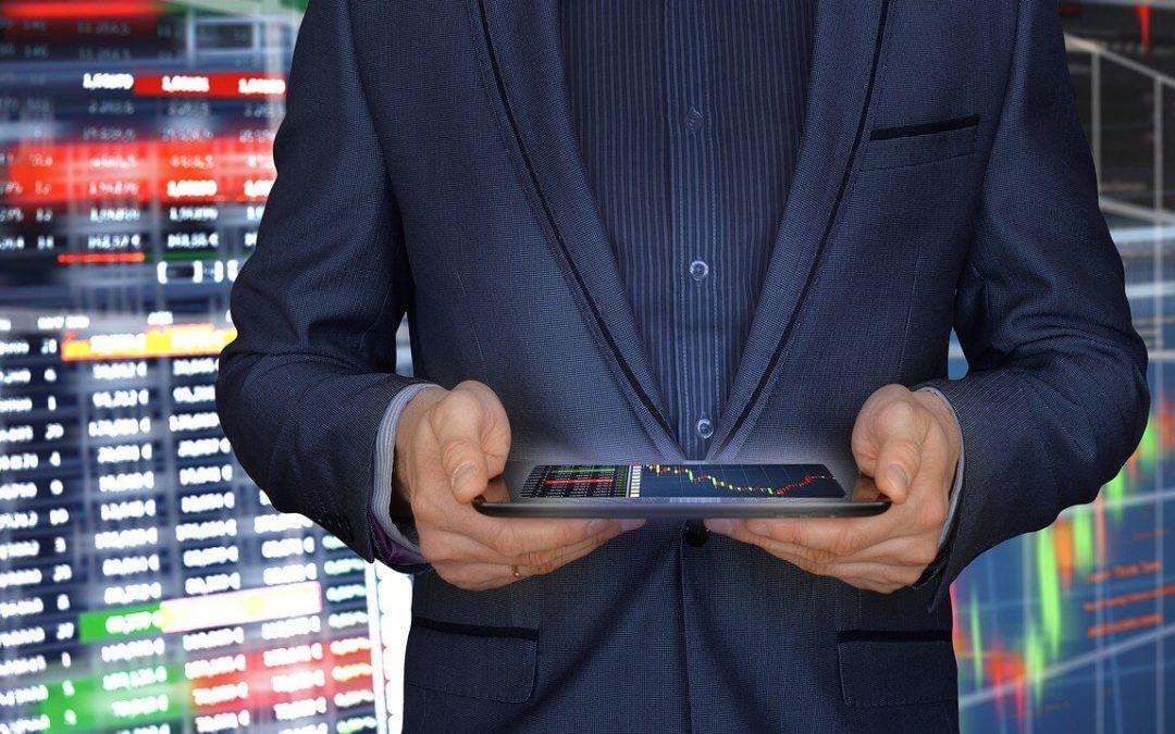 Binance-CEO unter Druck und fordert klare Regelungen